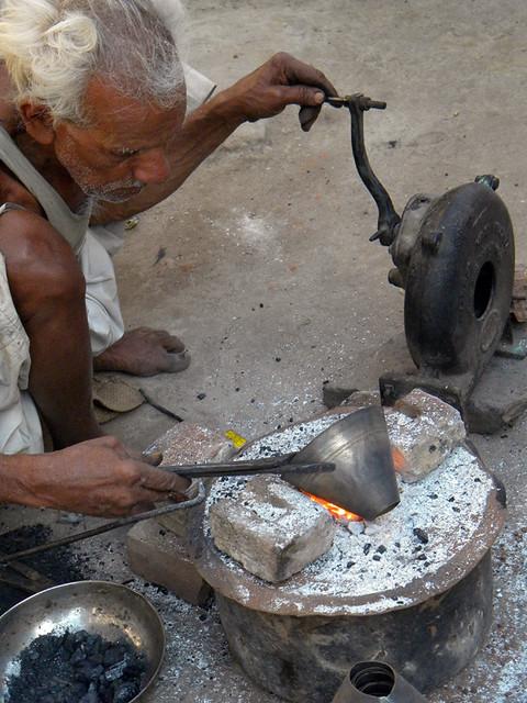 metal worker in Bundi, India