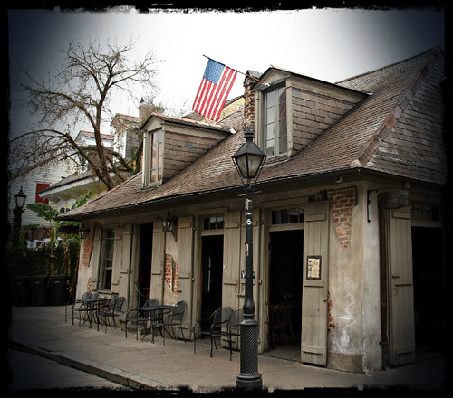 Jean lafittes blacksmith shop bar new orleans occult for Salon n 6 orleans