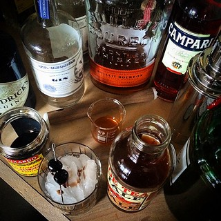Making a Bourbon Arnold Palmer thing for my other half ...