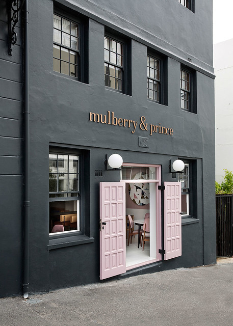 Modern restaurant and bar Mulberry & Prince in Cape Town Sundeno_01