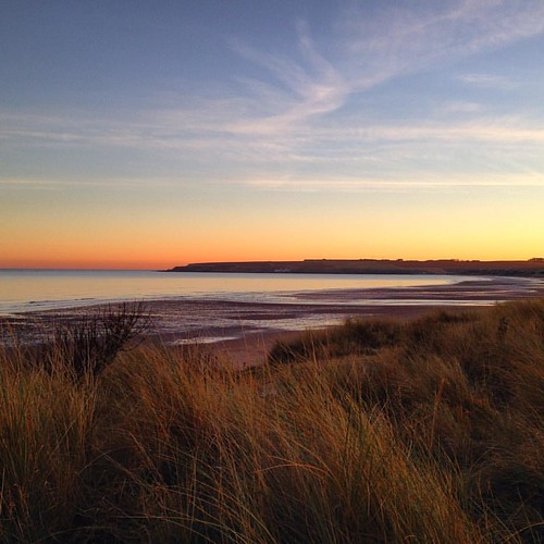 Lunan Bay, Angus. . . #lunanbay #lunanbaybeach #angus #scotland #scottishscenery #scottishbeach #beach #sunset