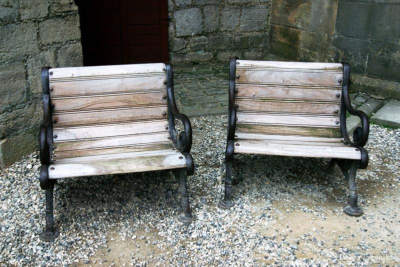 Скамейки во дворе