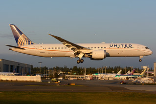 United Airlines Boeing 787-9 N38950 | by royalscottking