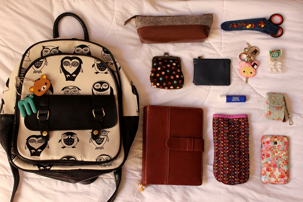 What's in my college backpack | LyrisV | Flickr