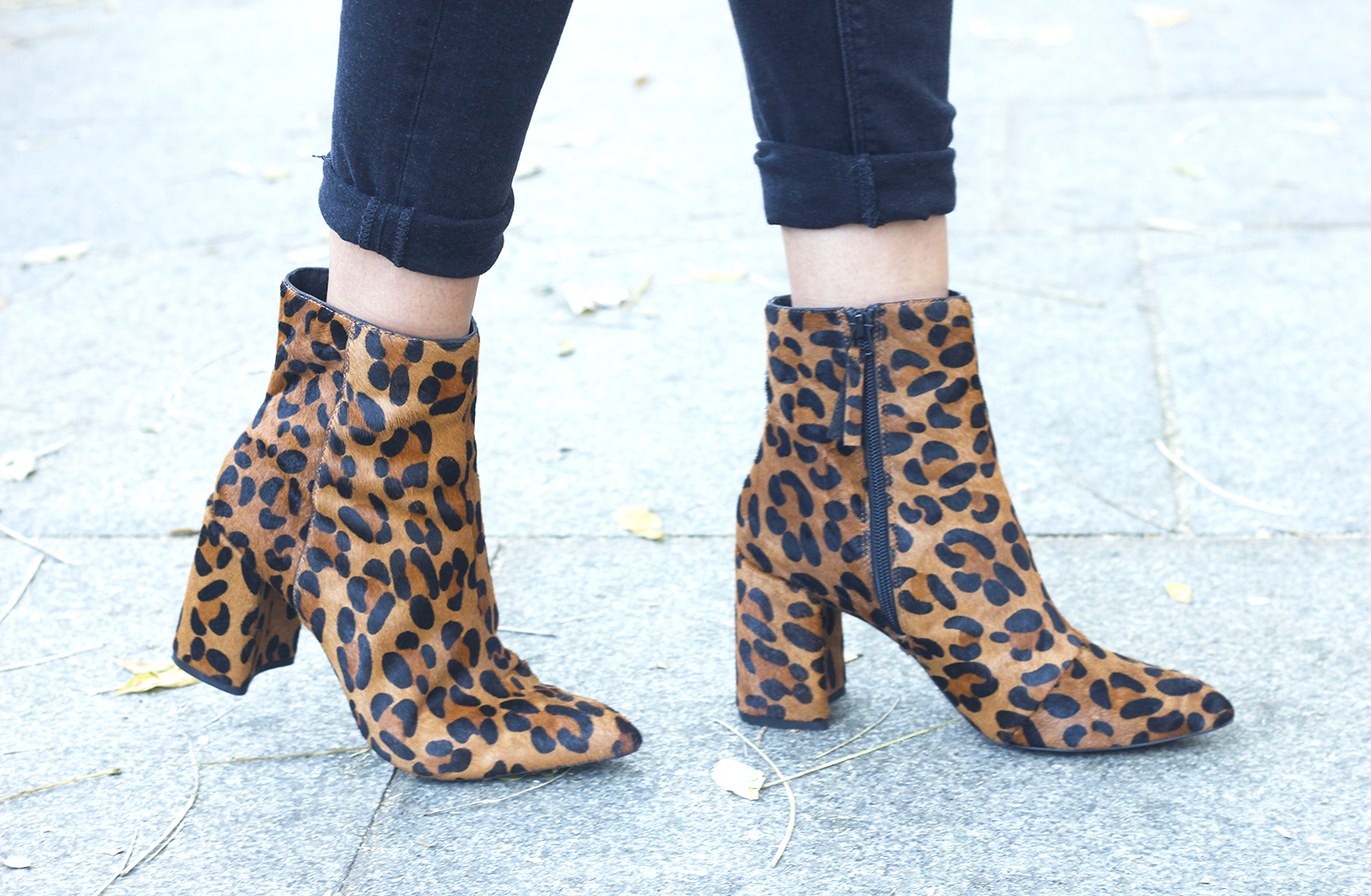 Leopard Booties cardigan ripped jeans outfit fall style fashion19