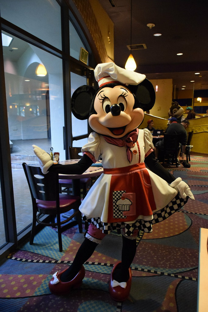 minnie mouse goofys kitchen disneyland hotel downtown disney district by haphopper - Goofys Kitchen
