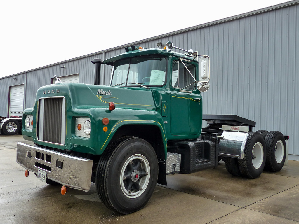 Old R Model Mack Show Truck   Cincinnati chapter of the Amer…   Flickr