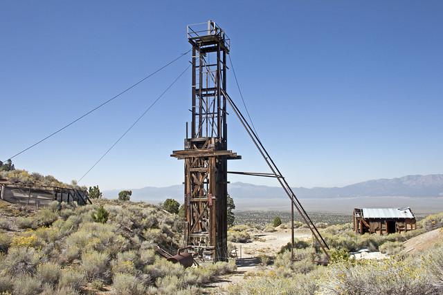 UEC-140 Mine