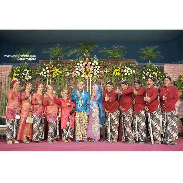 Contoh Foto Keluarga Di Pelaminan Dlm Pernikahan Pengan Flickr
