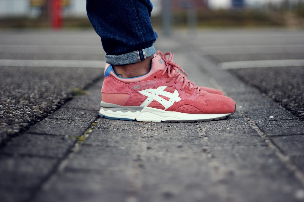 asics gel lyte v rose gold on feet