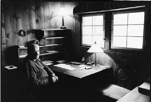 Heidegger en su cabaña
