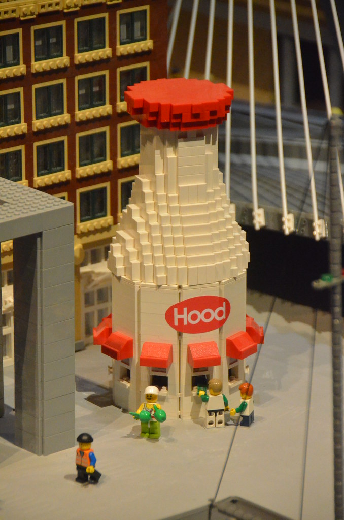 Legoland Somerville (Boston), preview weekend: the Hood™ m… | Flickr