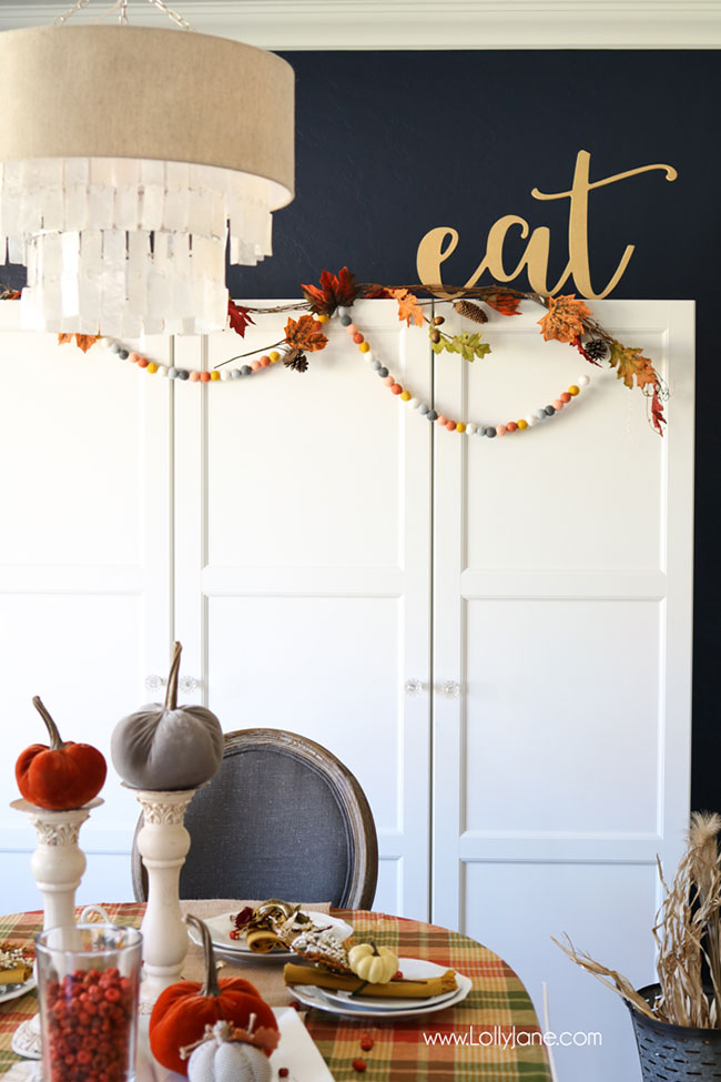 Easy-pretty-fall-tablescape-plaid