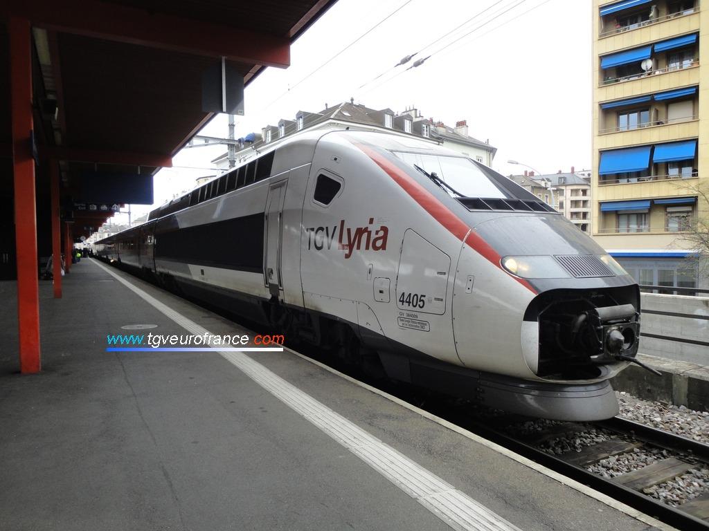 La rame TGV Lyria 4405 d'Alstom Transport en gare de Genève Cornavin
