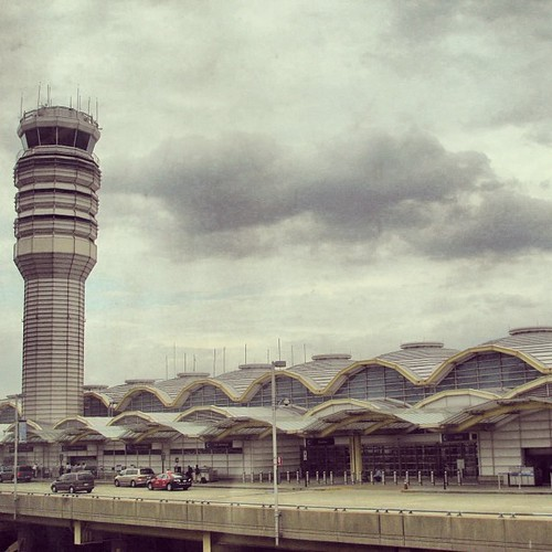 Undulating Ronald Reagan National Airport Cesar Pelli