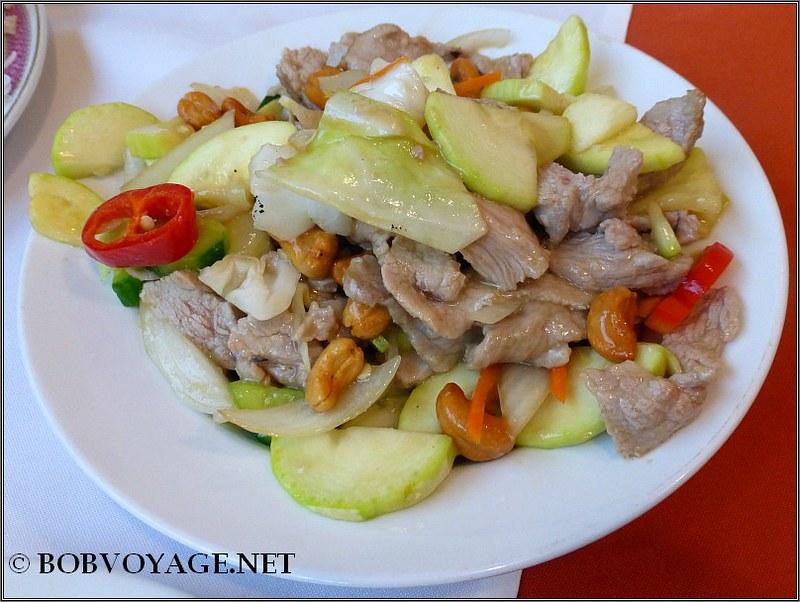 בשר לבן עם קשיו ב- לונג סנג