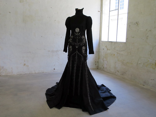 THE CRYING DRESS