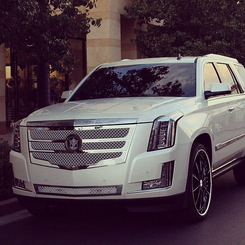 Cadillac Escalade 2015 Used: Spotted A 2015 Cadillac Escalade With A Tiarra Grille Ridi