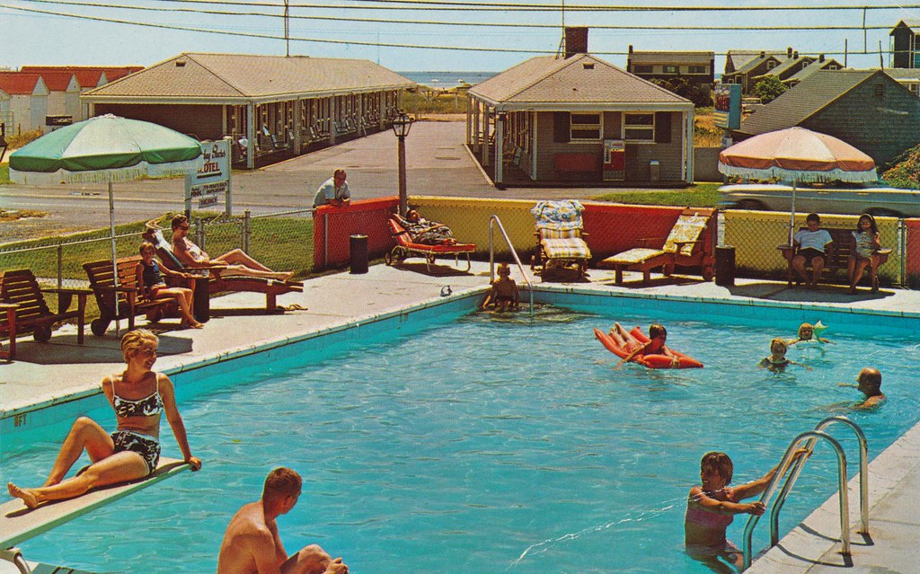 Holiday Shores Motel - Provincetown, Massachusetts
