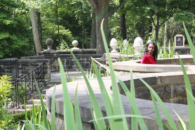 The Woman in the Red Dress - Cleveland Cultural Gardens 31… | Flickr