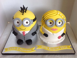 how to make a minion wedding cake topper minion amp groom wedding cake liz flickr 15822