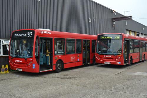 Dartford bus garage 4000 gn08cgo and 4026 gn58lva for Garage ad buc