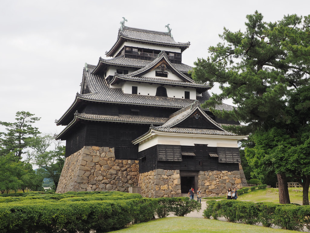 File:Matsue Castle (8061868340).jpg - Wikimedia Commons