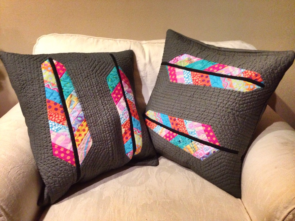 Alanas Pillows From Anna Maria Horners Feather Bed Quilt Flickr