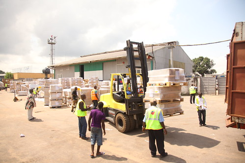 Delivering essential supplies to Sierra Leone | by World Bank Photo Collection
