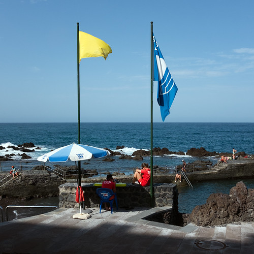 yellow red blue | puerto de la cruz | by John FotoHouse