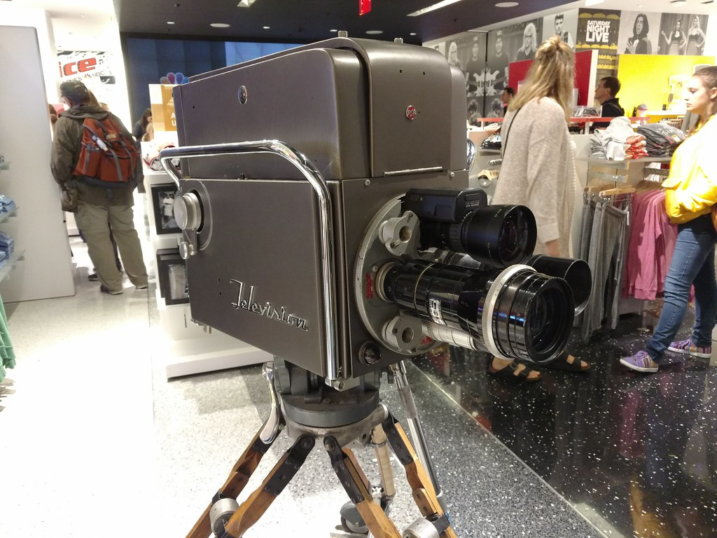 Camera Rockefeller Center : Old rca television camera at nbc studios gift shop at rocku2026 flickr
