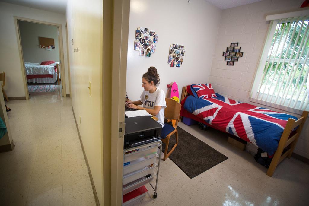 Lakeview Dorm Rooms Freshman Housing Shoot Fall 14 Florida