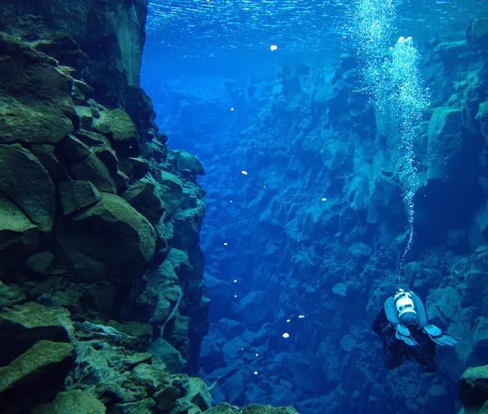 Silfra: diving deeper in the rift