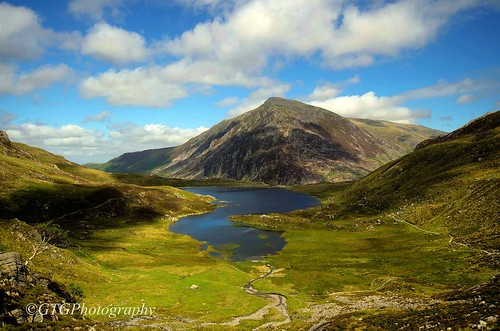 Cwm Idwal | by ArchieImages