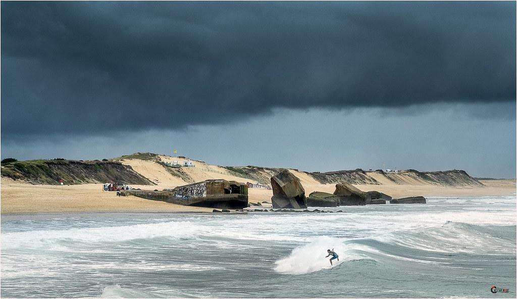 Surf around the bunker 30638528184_ffef916df2_b