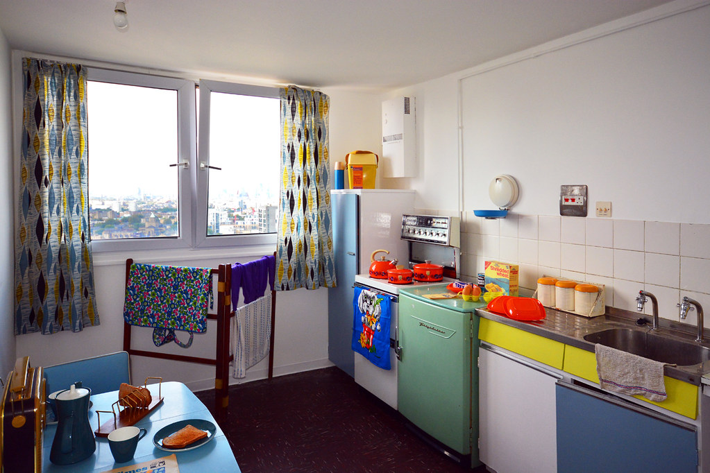 ... Balfron Tower / Kitchen | By Images George Rex