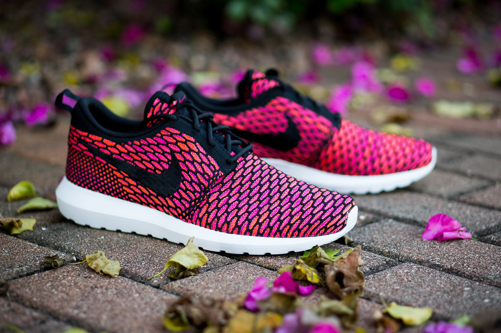 nike roshe flyknit womens purple