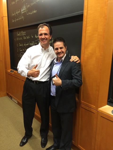 Na foto, Prof. Stefan Thomke e eu.