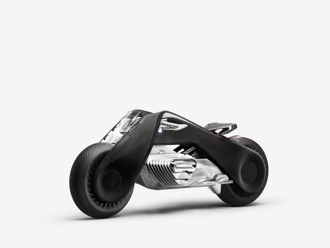2016-BMWMotorradVisionNext100-10