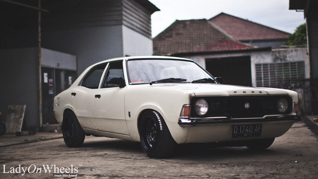 Ladyonwheels Tepay Ford Cortina Slammed Muscle Car 10