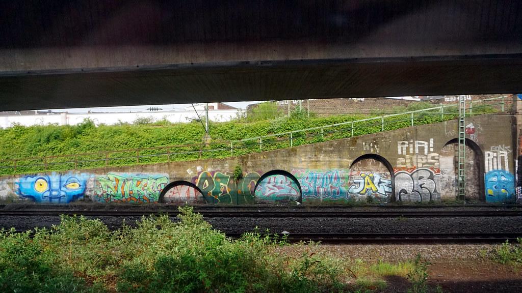 Graffiti Düsseldorf graffiti in düsseldorf 2015 artist s bm virs rk revo ks flickr