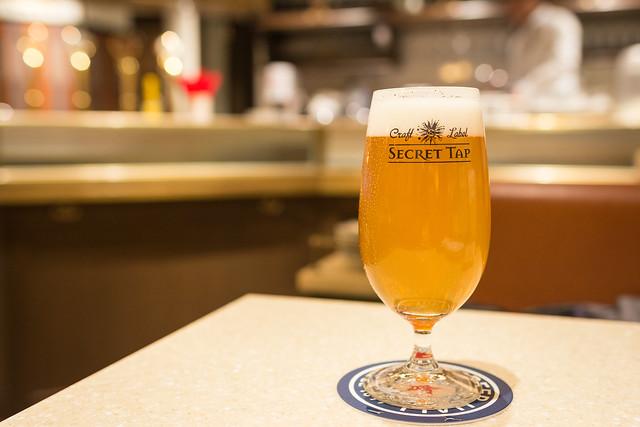 銀座ライオンの樽生クラフトビールの写真