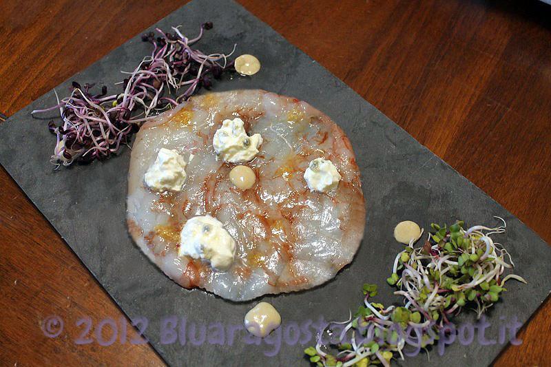 3-carpaccio di gamberi con burrata al frutto della passione e vinaigrette allo zenzero