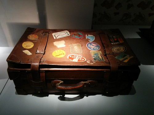 Suitcase | by cocoate.com