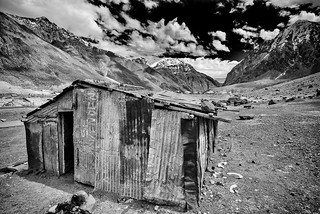 chile-cajon-maipo-corrugated-iron-hut | by [zapalote]