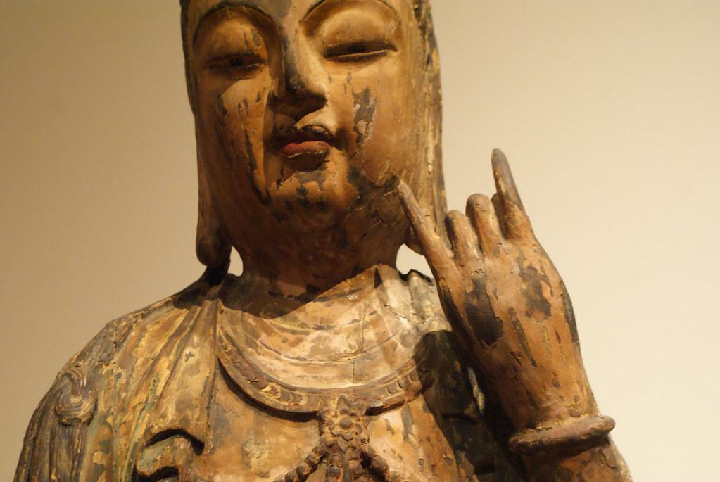 Une statue de Bouddha heureuse de vous voir :) Au musée Asiatique de Prague.