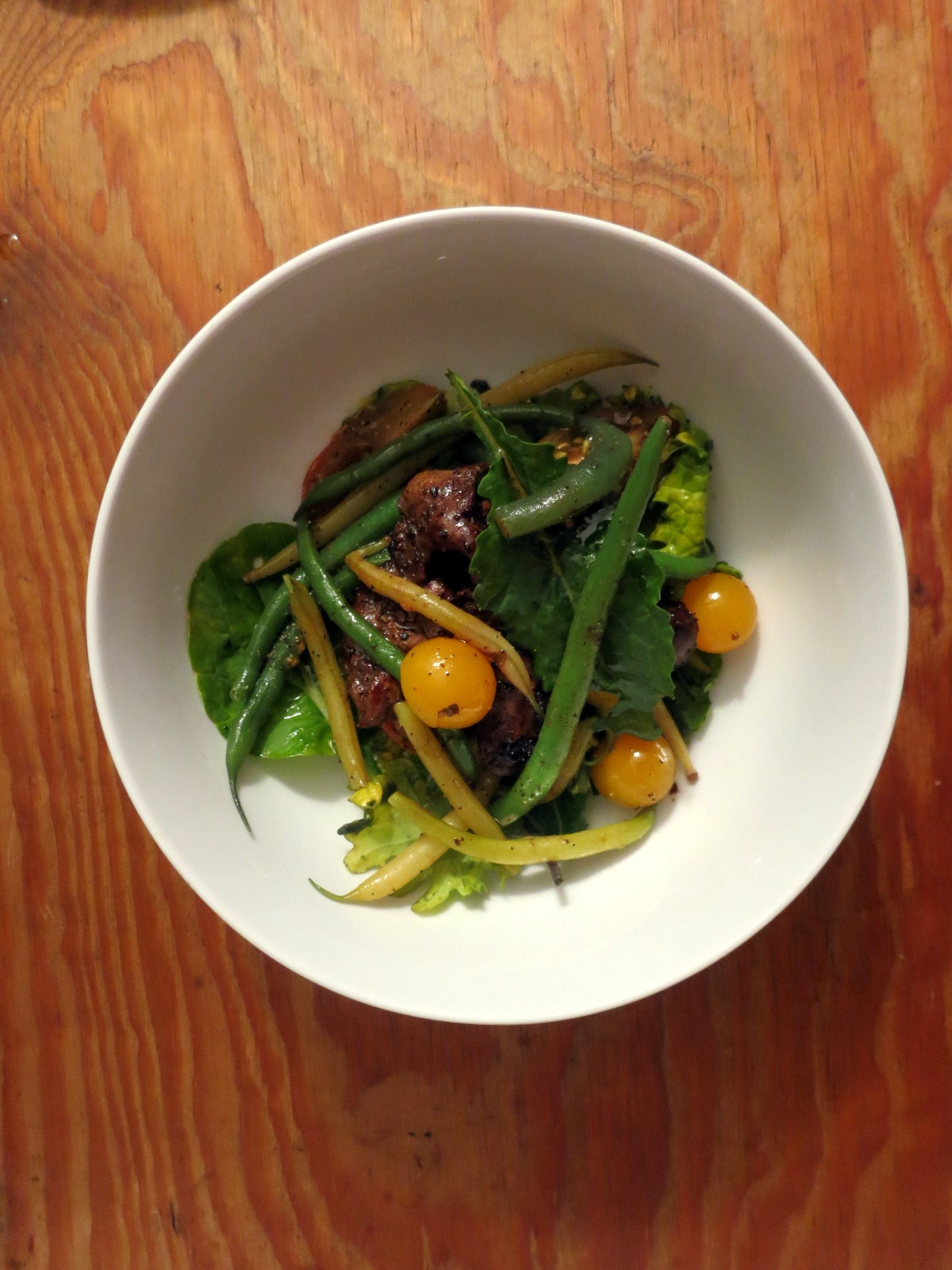 Chicken liver, green bean and heirloom cherry tomato salad