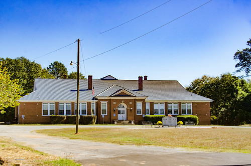 Lowndesville School