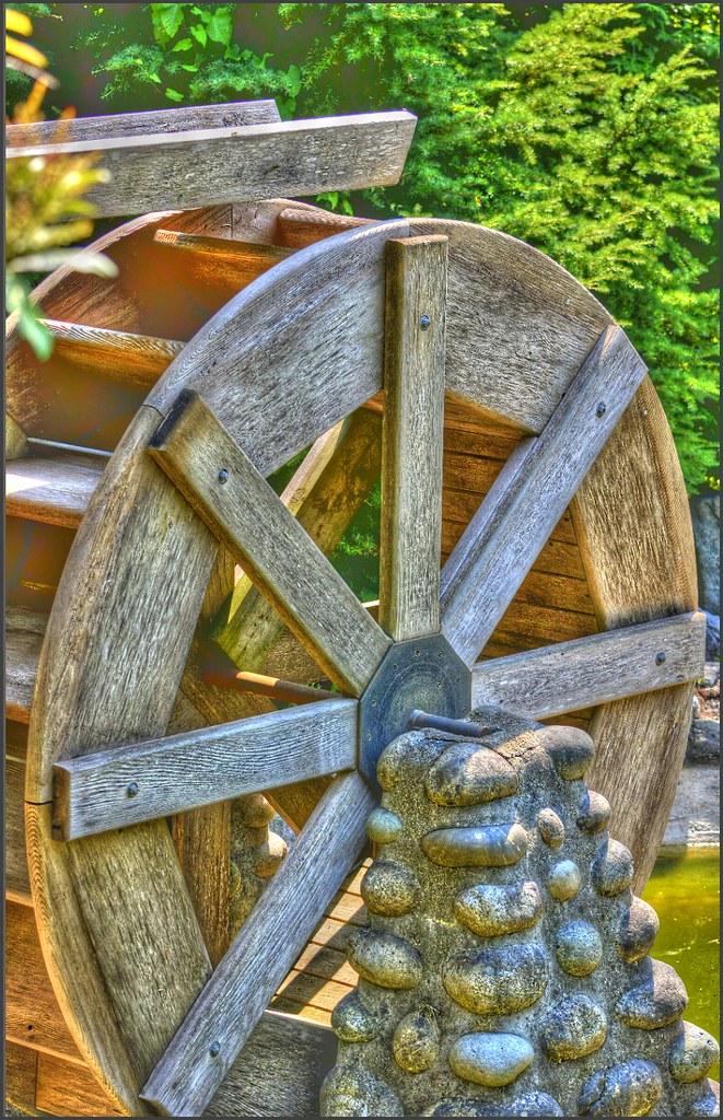 Waterwheel Garden Feature | A Garden Feature: Water Wheel Th ...