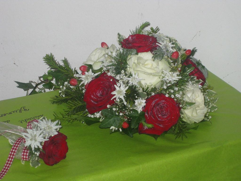 Brautstrauss Edelweiss Rosen Weiss Rot Blumen Ganser Flickr